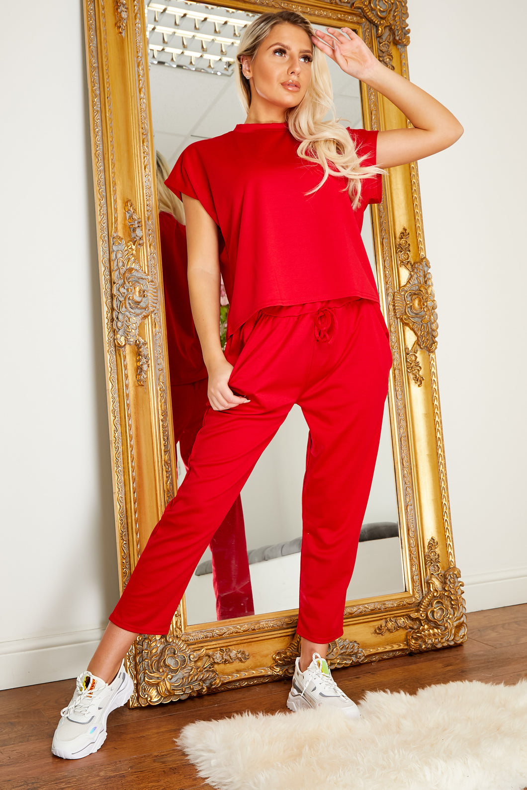 Boxey lounge suit RED