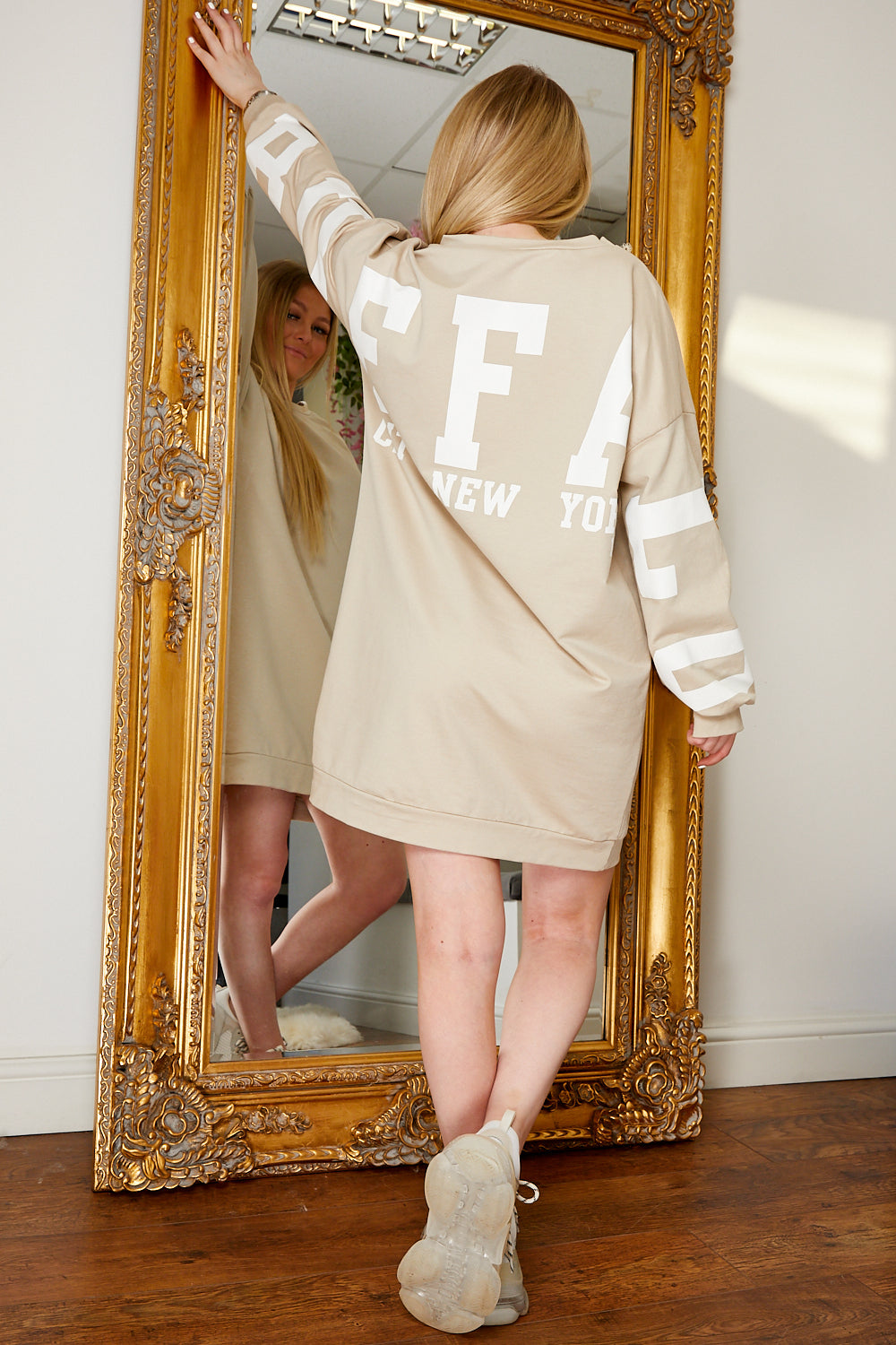 Buffalo jumper dress BEIGE.