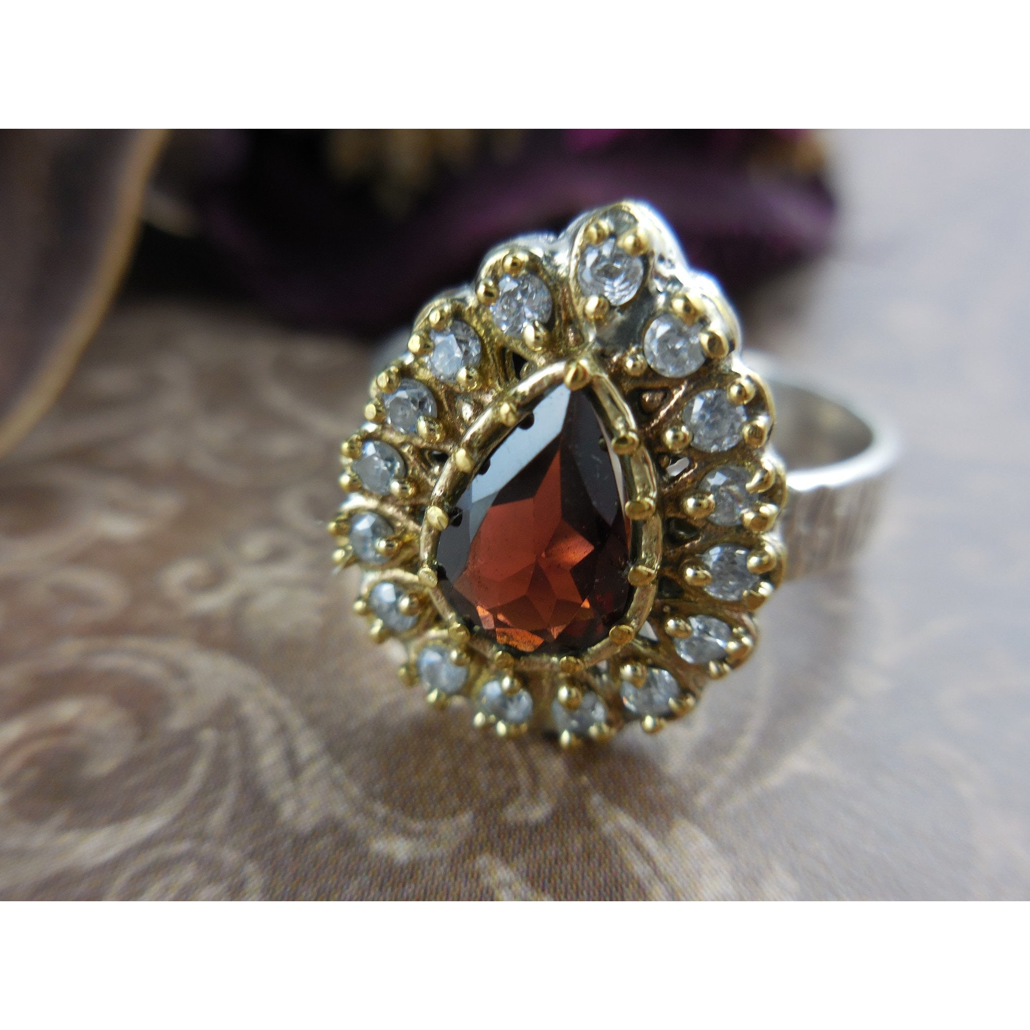 Garnet Gemstone and Sterling Silver & Brass Ring - Size 9