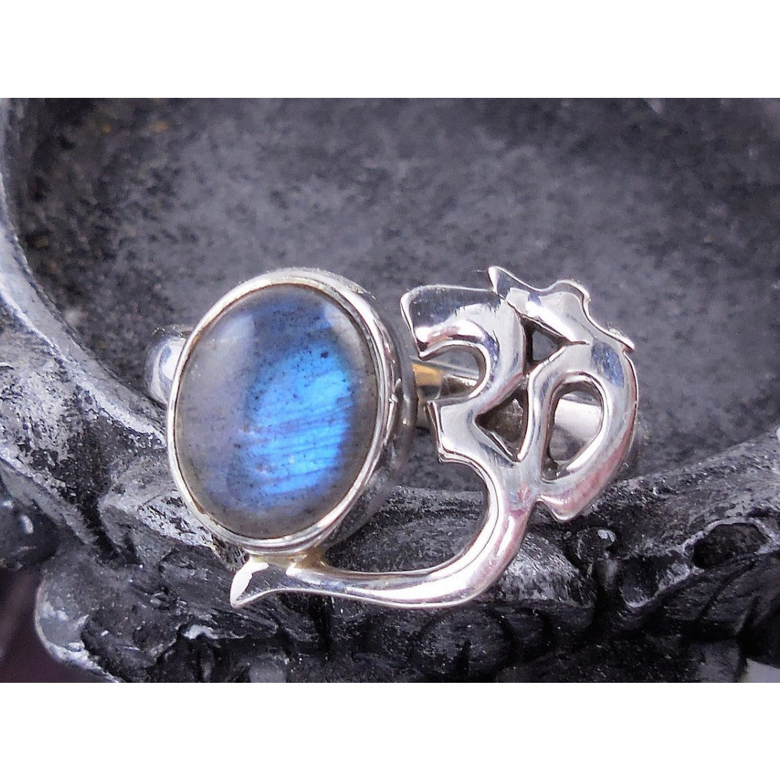 Labradorite Sterling Silver Ohm Ring – Size 7.75