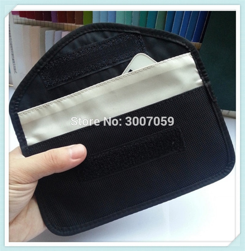 Anti-electromagnetic material cellphone pouch