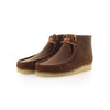 jo-vetement-clarks-boots-wallabee-suede-beeswax-cote