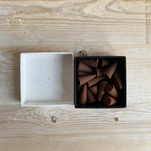 Load image into Gallery viewer, Haeckels Incense Cones - Juniper