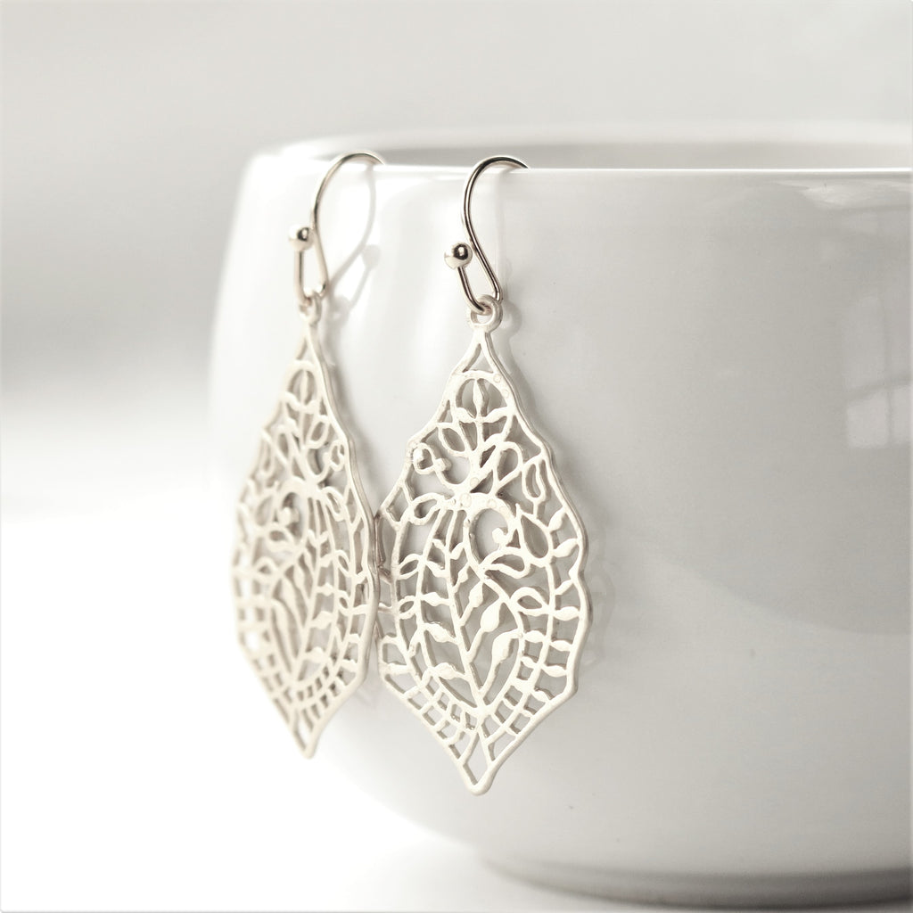 Silver Paisley Leaf Filigree Earrings