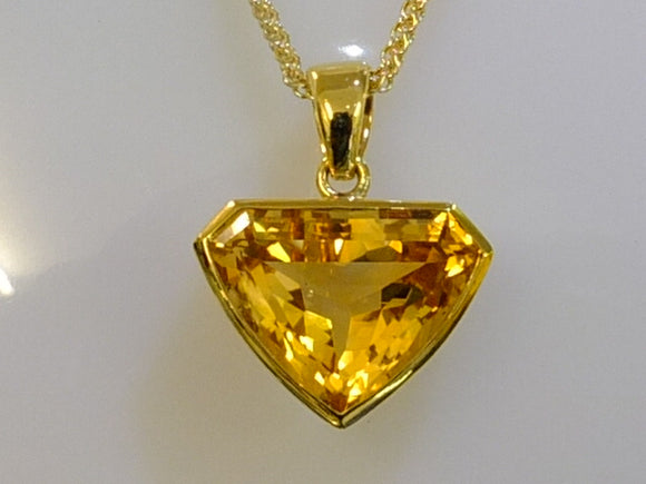 18ct Gold and Citrine Deep Tri-Cut Necklace