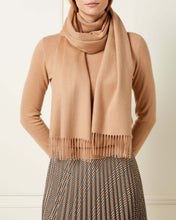 Load image into Gallery viewer, Large Woven Cashmere Scarf Camel Brown