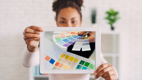woman after color analysis with her correct color palette