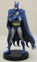 Lade das Bild in den Galerie-Viewer, DC Designer Series Statue Batman by Brian Bolland