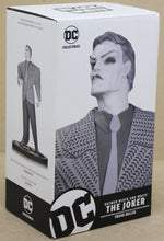Lade das Bild in den Galerie-Viewer, Joker Statue Black and White by Frank Miller