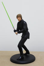 Lade das Bild in den Galerie-Viewer, Star Wars Classic Collection Luke Jedi Knight