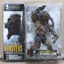 Lade das Bild in den Galerie-Viewer, McFarlane's Monsters - Werewolf