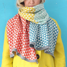 Load image into Gallery viewer, Knitted Lambswool Scarf: Skyla
