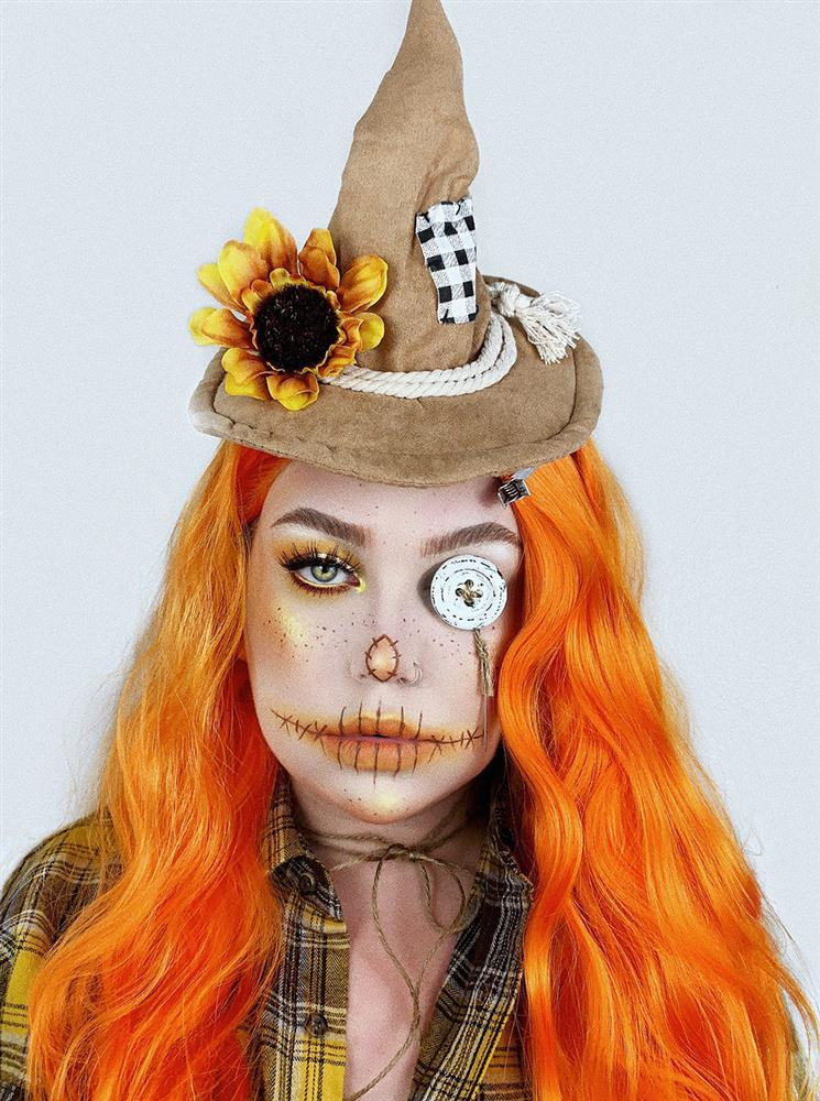 Easy Halloween Makeup Idea: Scarecrow