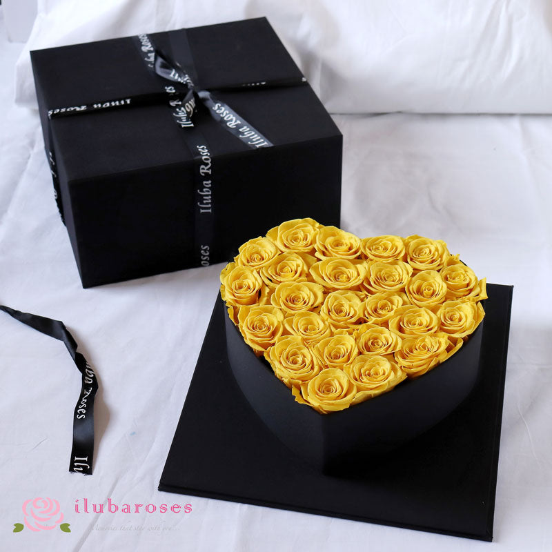 yellow rose romantic gift bouquet at Iluba Roses flower shop