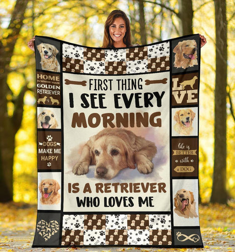 GOLDEN RETRIEVER DOG BLANKET - IS A RETRIEVER  WHO LOVES ME