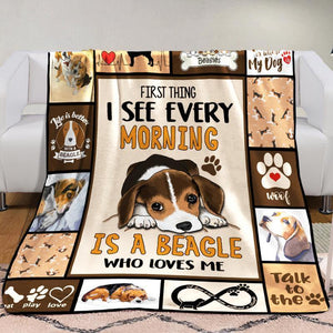 Beagle Dog Blanket - Is a Beagle who loves me