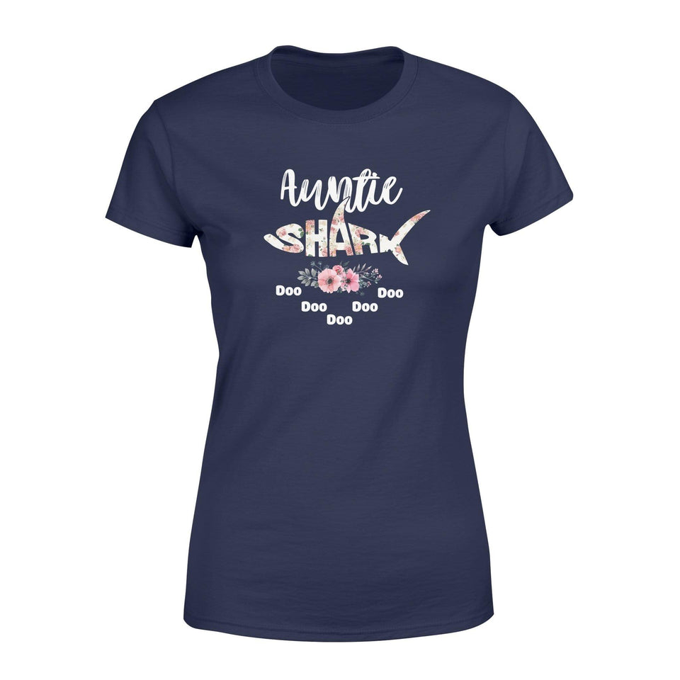Auntie Shark Women's T-shirt - Family Presents