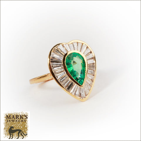 * 05492 18K Yellow Gold 1.5 ct Pear Shaped Emerald & Baguette Diamonds Ring