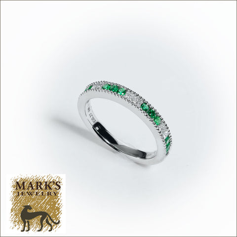 09145 14K White Gold Diamond & Emerald Band