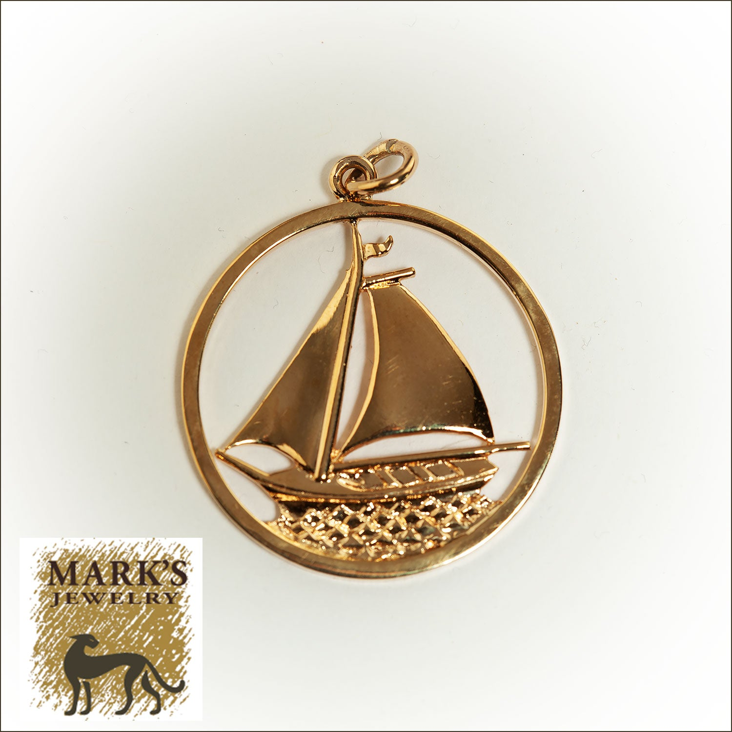 07805 9K Yellow Gold Sailboat Pendant
