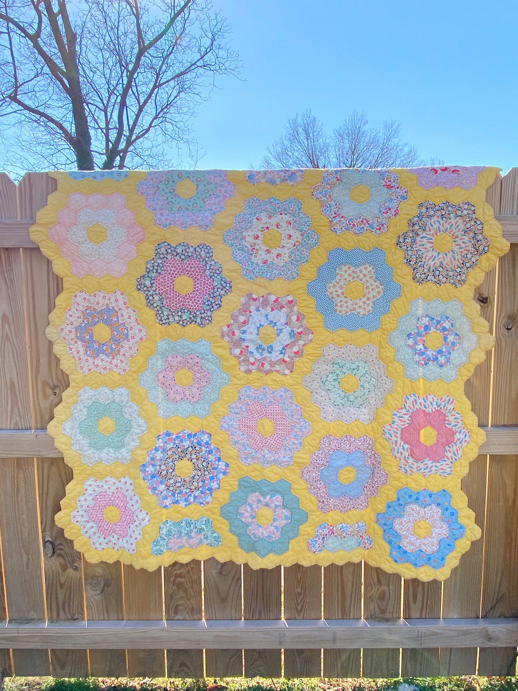 Antique Hexi flower quilt 1932
