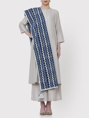 Load image into Gallery viewer, FABNEST HAND BLOCKED PRINT PURE COTTON DUPATTA IN INDIGO WITH SILVER GOTA AND MULTICOLOURED TASSLES-DUPATTA-Fabnest