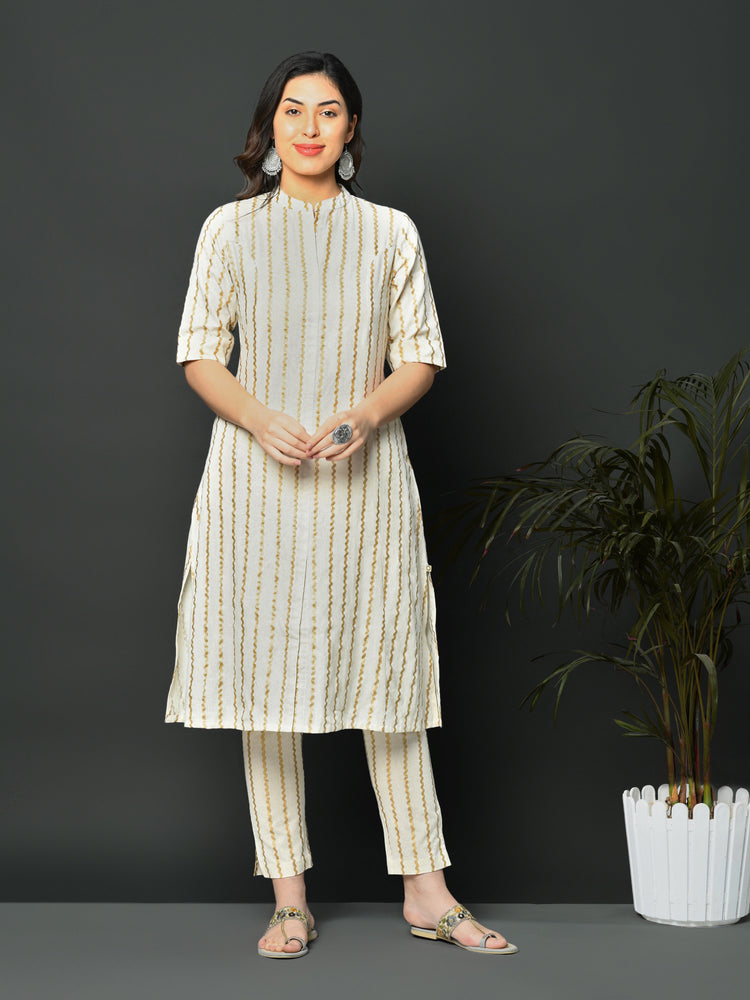 Load image into Gallery viewer, Off white flex A line kurta with chevron khadi print-Kurtas-Fabnest