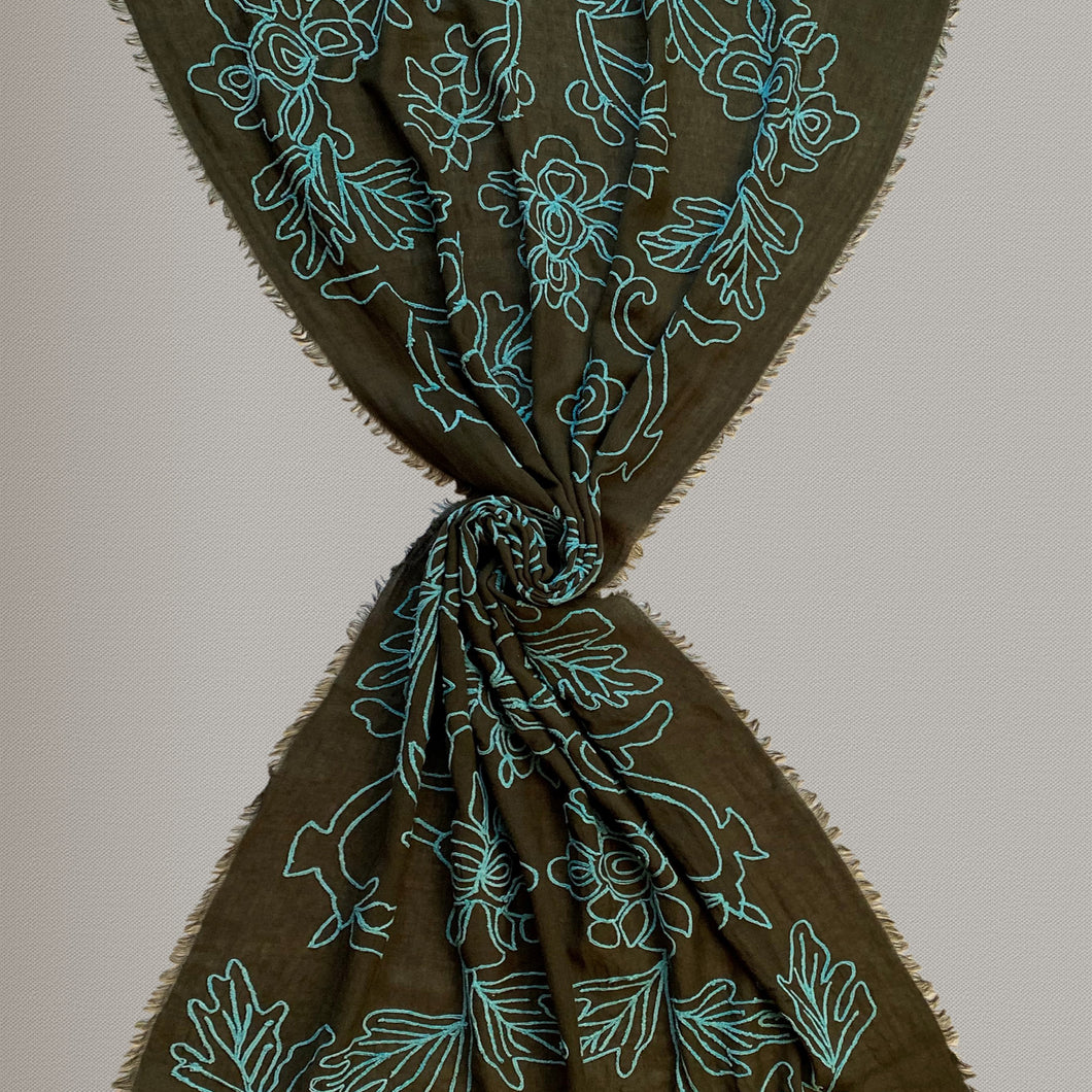 Cercare - embroidered scarf