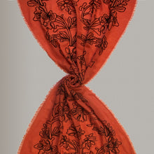 Load image into Gallery viewer, Cercare - embroidered scarf