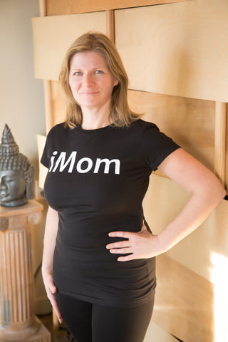 iMom, Black Powerup T-Shirt