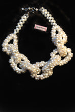 Load image into Gallery viewer, Ida Freshwater pearls and Moonstone link necklace