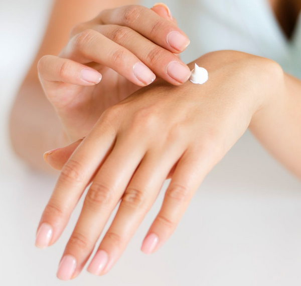 Tips for Choosing a Healthy Moisturizer for Dry Skin