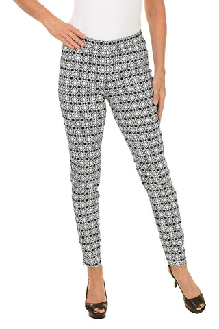 Pull-On Diamond Print Ankle Pant