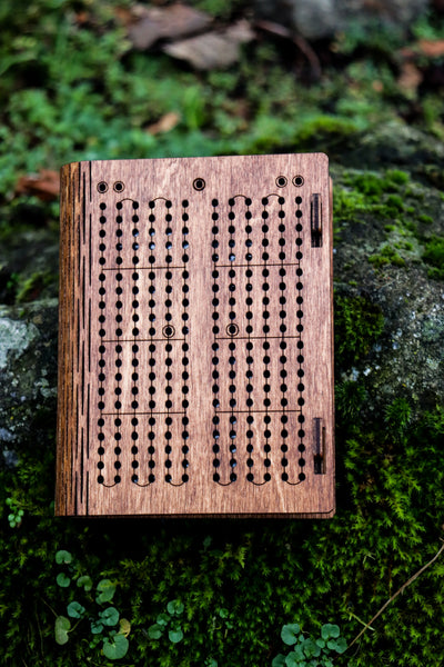 Travel Cribbage Board with Living Hinge