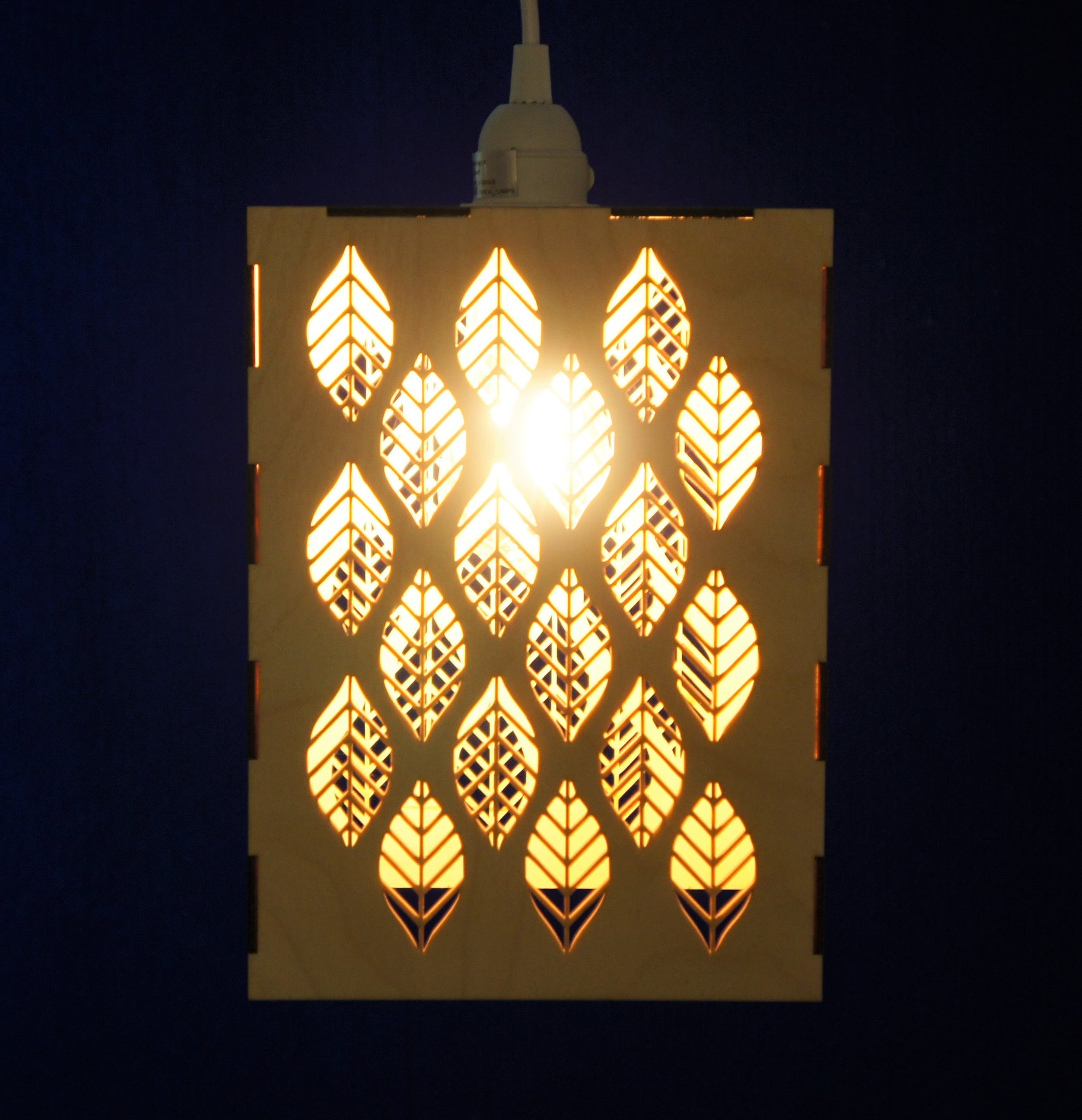 Hanging Lamp - Deco Leaf design