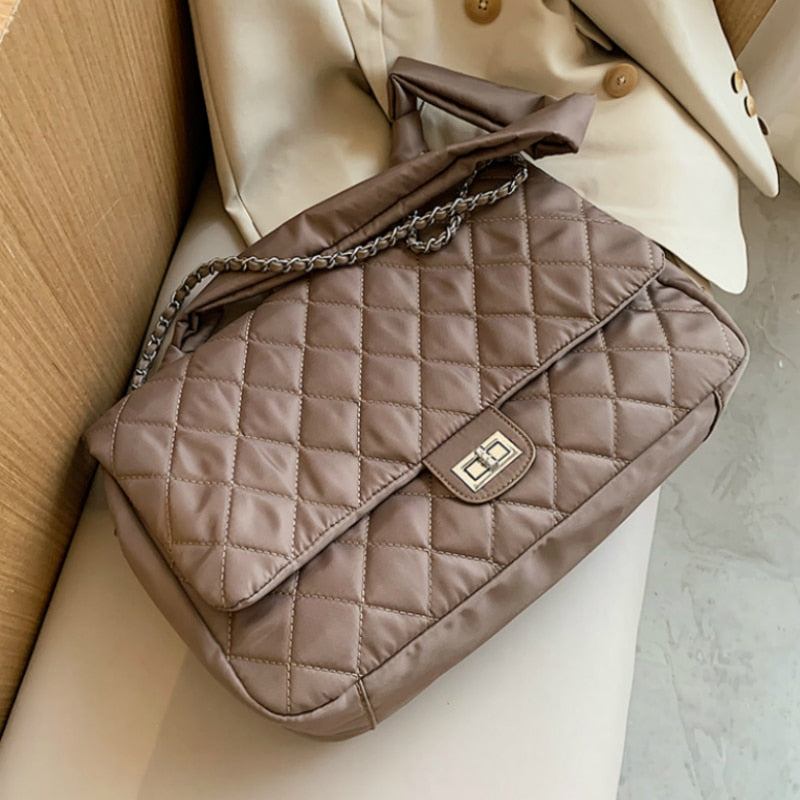 Quilted Retro Large-Capacity Bag Women's Bag