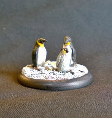 AA118 Penguin Family