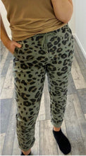 Load image into Gallery viewer, Leopard 'Magic' Trouser *BESTSELLER*