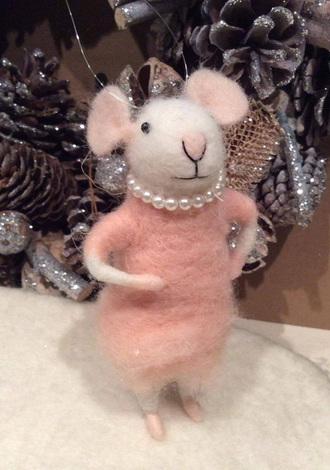 Pink Pearl Necklace Mouse Felt