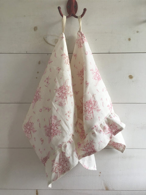 Organic Linen Tea Towels With Ruffles - Champs Rosé