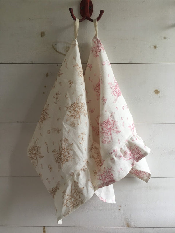 Organic Linen Tea Towels With Ruffles - Champs Nature