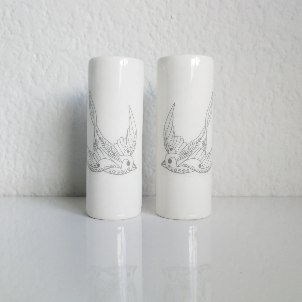 Salt + Pepper Shaker Set - Flying Solo