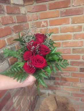 Half dozen of our premium Explorer Red Roses hand tied with an assortment of foliages and whispy lavender limonium for a soft touch of romance. Ready for your recipient to drop in their vase
