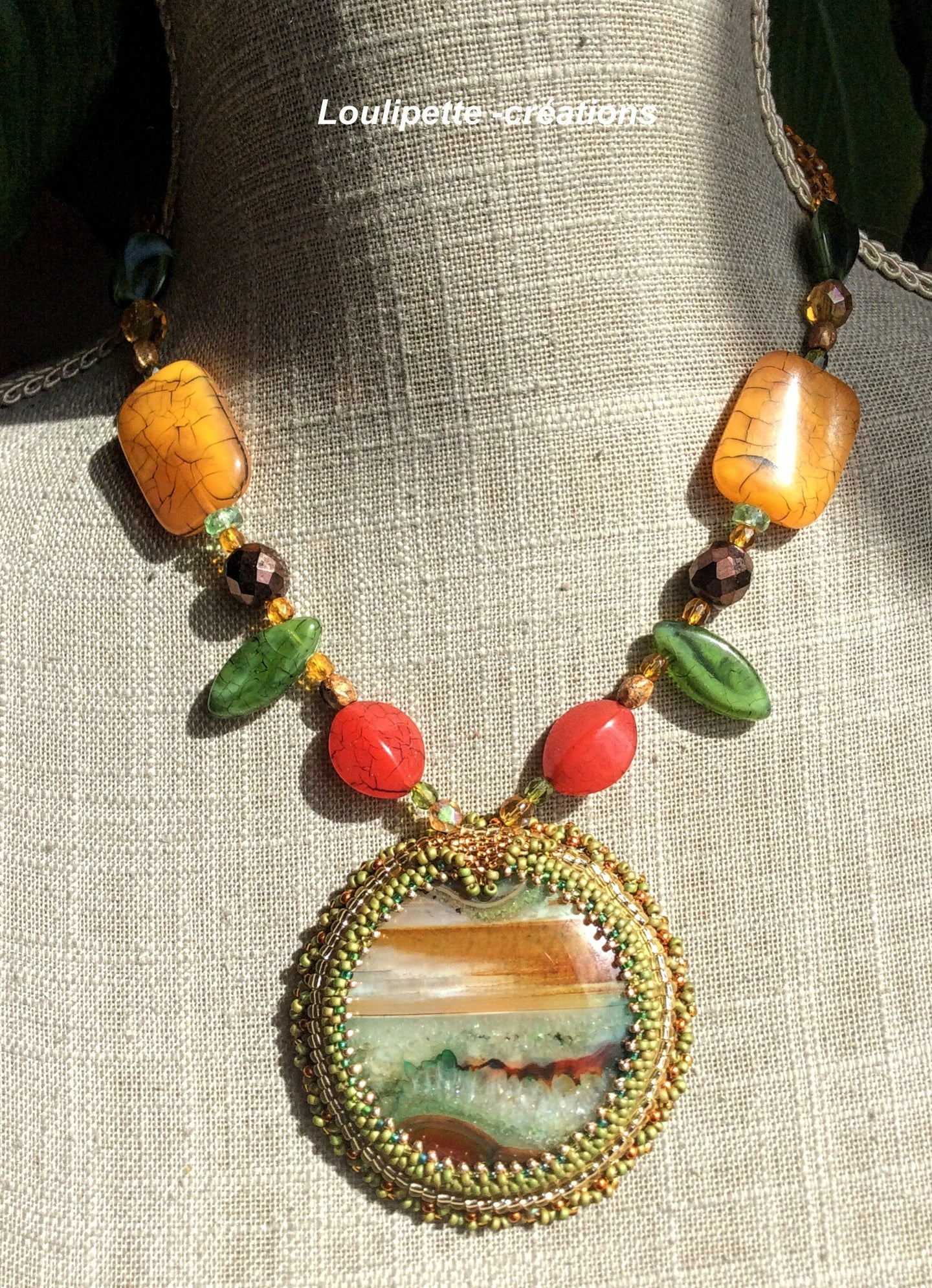 Collier brodé agate couleur nature