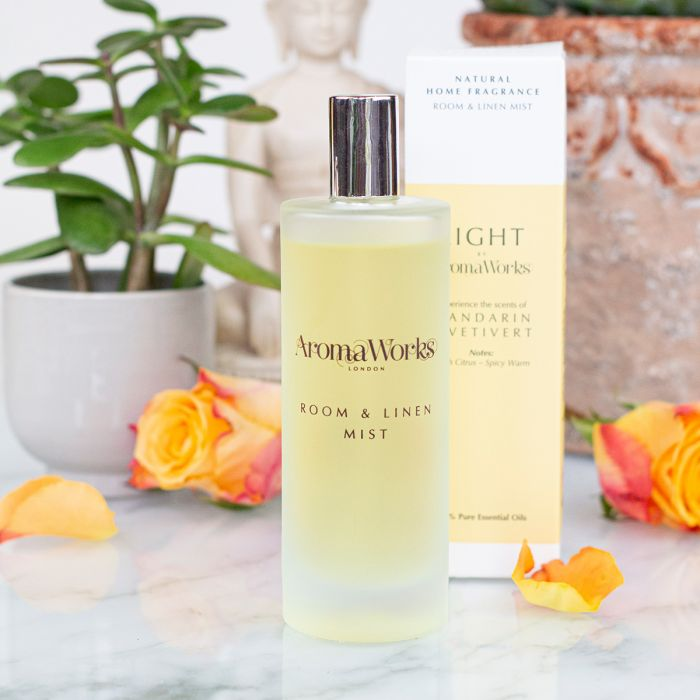 Light Range Mandarin & Vetivert Room Mist