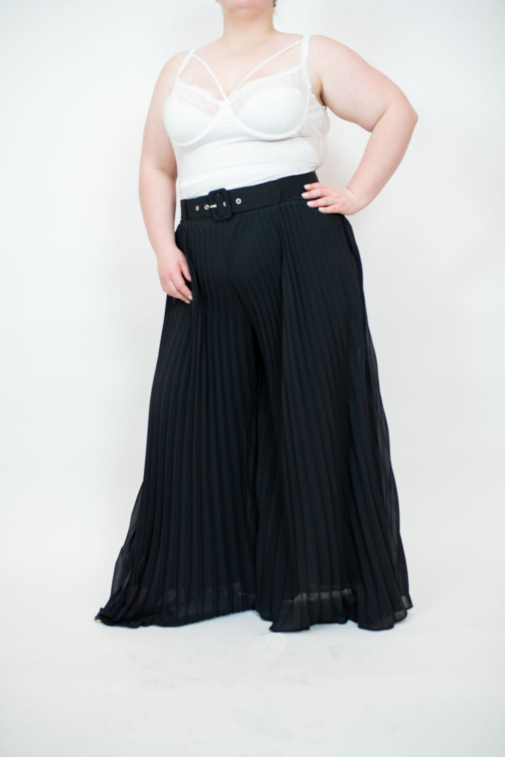 CORA PLEATED PANTS