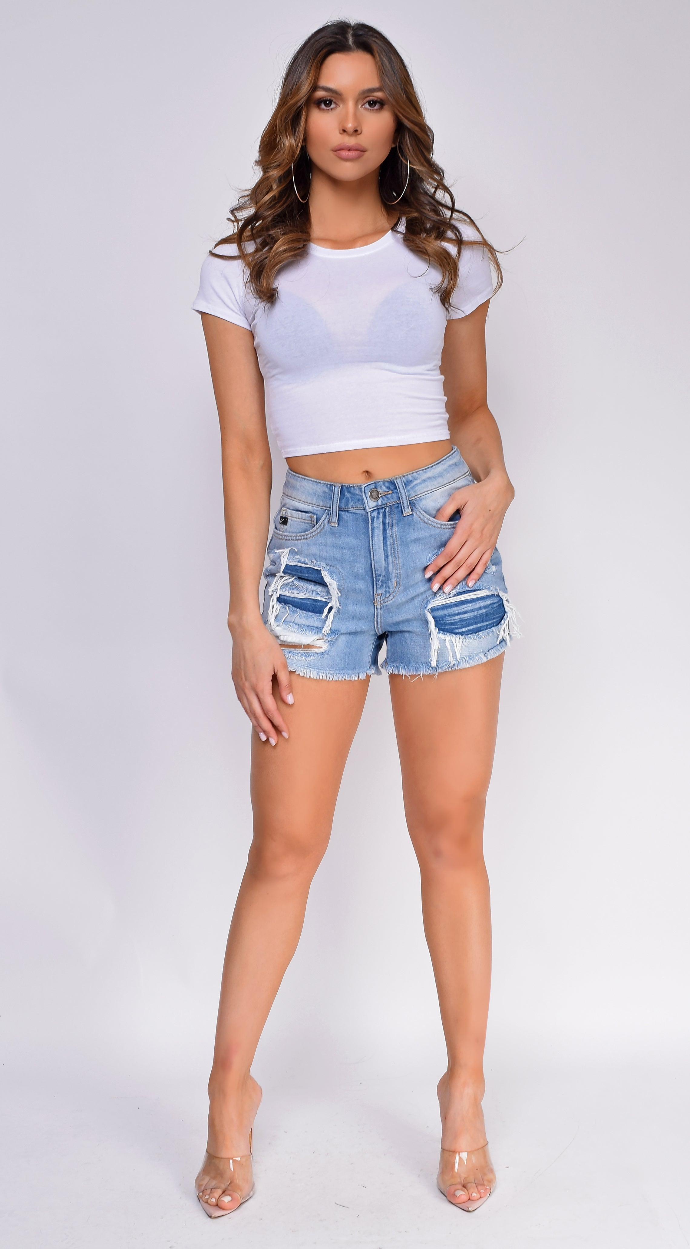 Tess White Scoop Neck Short Sleeve Crop Top