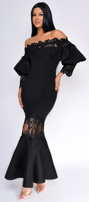 Essa Black Lace Maxi Dress - Emprada