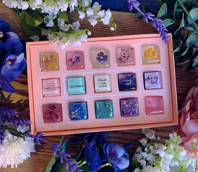 Dazzling Fresh Flower Candy Gift Set
