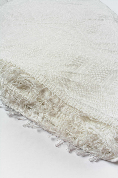 Classic White Inabel Blanket